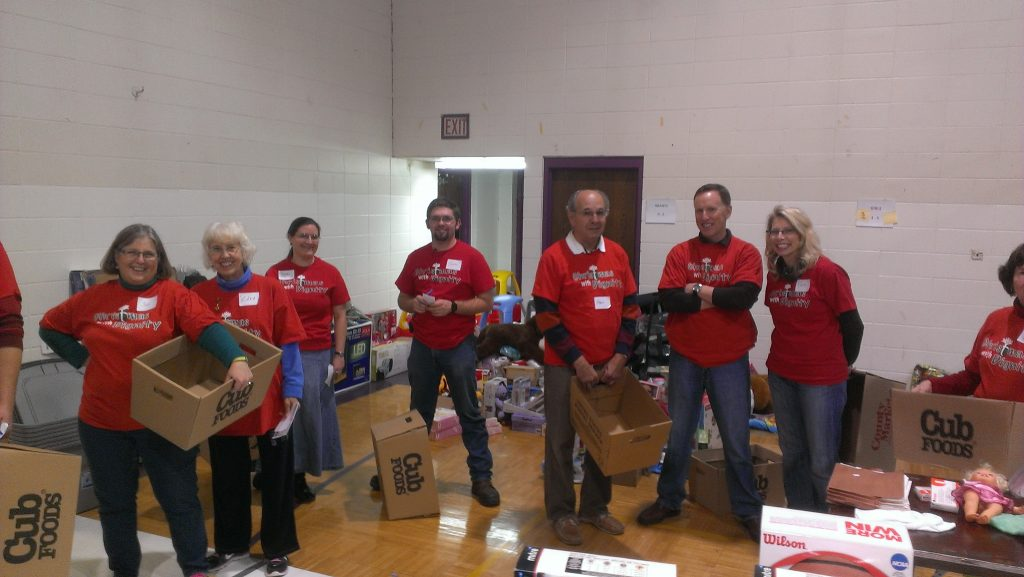 christmas with dignity holiday volunteer opportunity in north minneapolis